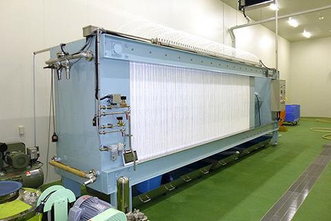 薮田式自動圧搾機の全景(画像出典:株式会社昭和製作所)