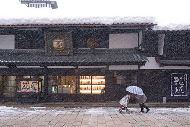 熟成古酒に見出した未知数のおもしろさ − 福井県・南部酒造場「花垣」