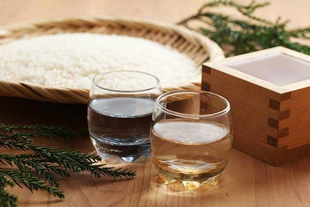 「ユネスコ無形文化遺産」への登録を目指す日本酒 -制度を出発点とした考察 -  (1/2)